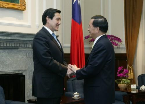 2006年,陳水扁總統會見時任國民黨主席的馬英九(出處:總統府網站)