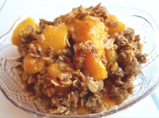 healthy-peach-crisp
