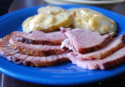 Easy to Carry Holiday Dinner (With Hormel Cure 81 Ham & Au Gratin Potatoes)