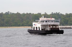 A ferry making its way to Washington Island.