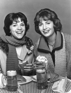 Laverne_and_shirley_1976