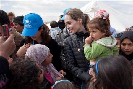Angel-Jolie-refugees.jpeg