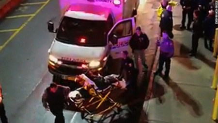 new-york-mall-brawl-injured