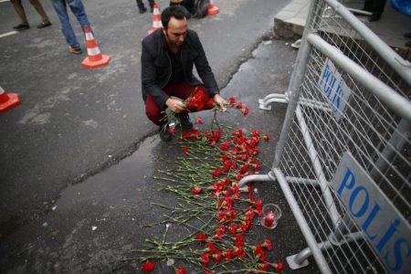 gunman-at-large-istanbul-attack-1