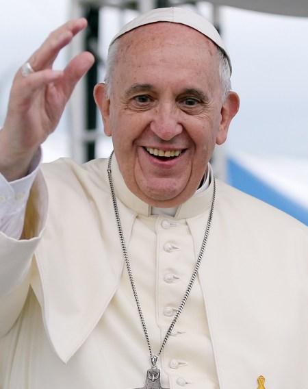 Pope_Francis_Korea_Haemi_Castle_19_cropped-990x1250