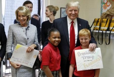 Trump_17069.jpg-2a2c9