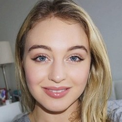Iskra Lawrence Bio, Wiki, Married, Age, Height, Net worth, Husband, Sister