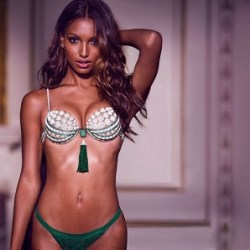 Jasmine Tookes Bio, Wiki, Net worth,  Married, Children, Affair, Family, Dating, Rumor