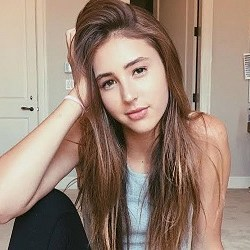 Scarlet Rose Stallone Bio, Wiki, Married, Net worth, Age, Height, Dating, Boyfriend, Affairs