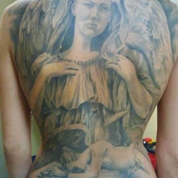 Wild Spirit Tattoo Hameln – Engel auf dem Rücken