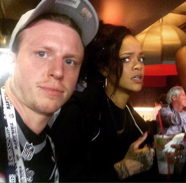 When this guy tried to sneak a Super Bowl selfie with Rihanna