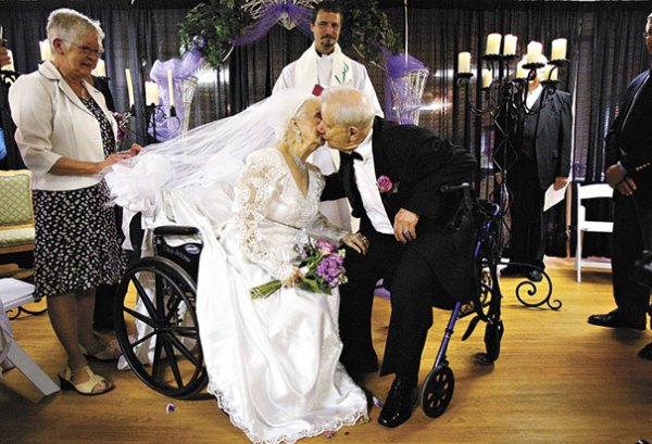 Residents Of Rosweood Healthcare Get Married On The Bride's 100th Birthday