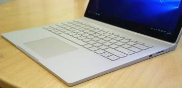 Microsoft Surface Book front tastatur Touchpad