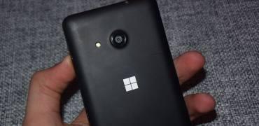 Microsoft Lumia 550 Hands-On Review Back Kamera Rückseite Microsoft Logo