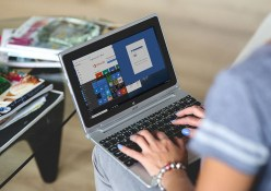 Stock Foto Microsoft Office Laptop Acer Switch 11