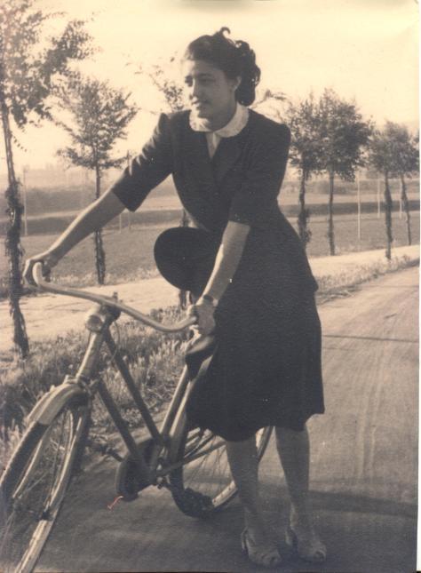 Carla Scanavino Oddero, mother of Mariavittoria and Mariacristina.