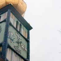 Die Hundertwasserkirche bei schlechtem Wetter aber bunter Pracht