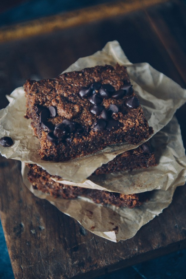How To Use Leftover Ganache: Dark Chocolate Almond Butter Brownies (gluten free) // www.WithTheGrains.com