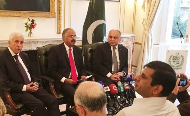 pm-special-envoys-briefing-the-media-on-kashmir-2