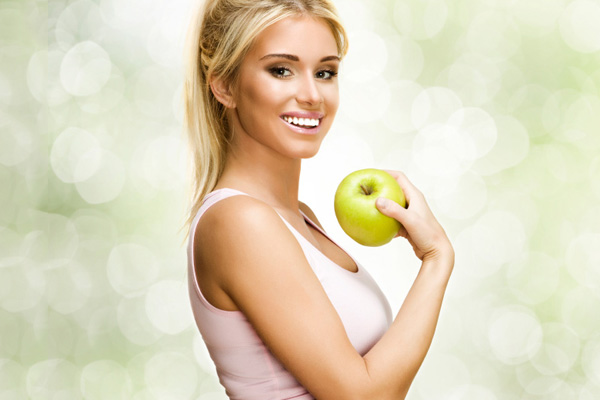 girl-with-apple