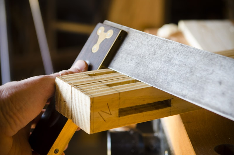 build-a-desk-with-hand-tools_WID2295