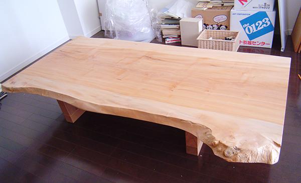 トチ一枚板天板テーブル