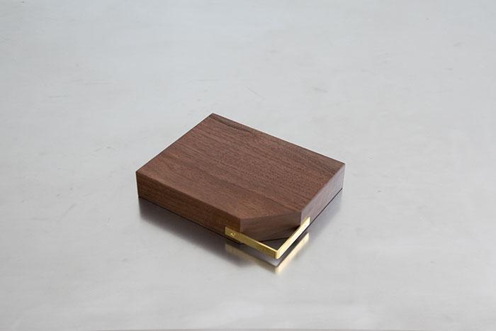 kittaki 無垢カッティングボード NO,026 ウォールナット 平置き