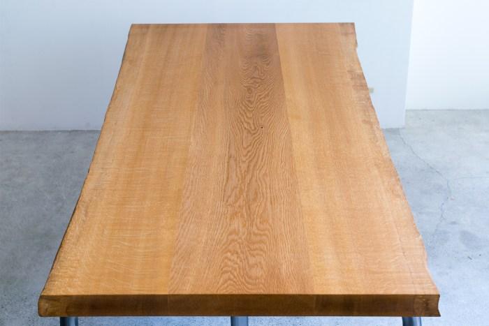 板目から柾目へ どこをとってもナラらしい木目