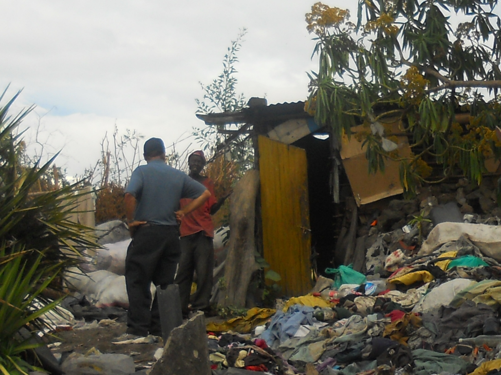 Paul sharing the gospel in dump site