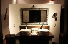 Puri Mangga Jungle House Bathroom