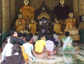 Shwedagon Pagoda Locals