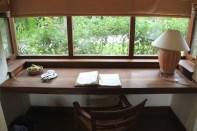 Tharabar Desk