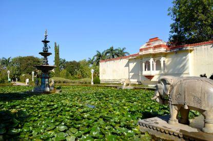Saheliyon-ki-Bari Lotus Pond