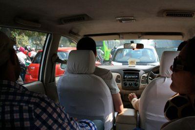 Van from Delhi to Agra