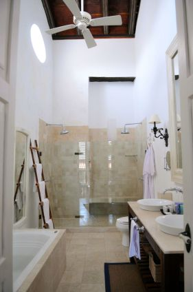 Casa Quero Bathroom