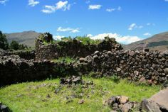 Raqchi Storehouse Ruin