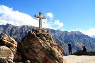 Colca Canyon Cross