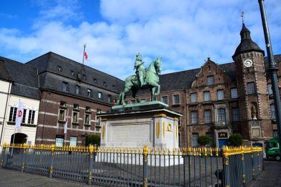 Dusseldorf Marktplatz Jan Wellem Statue