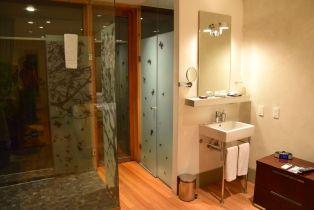 The Aubrey Santiago Room Bathroom