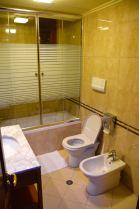 Dinasty Hotel Tirana Room Bath