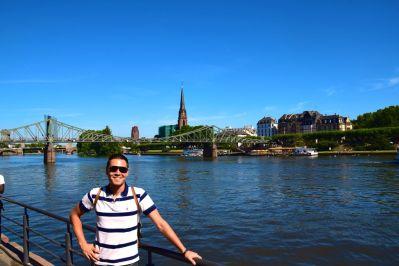 Frankfurt Main River David