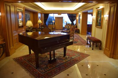 InterContinental Le Vendome Lobby Piano