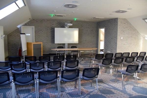Jump INN Conference Room