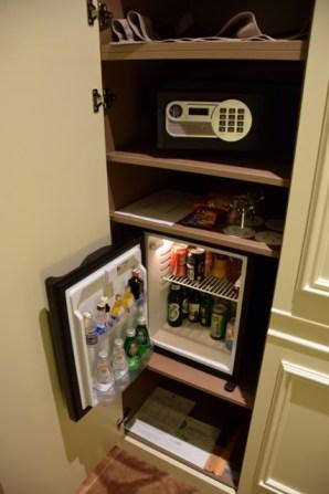 Jump INN Room Minibar