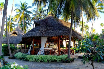 Next Paradise Zanzibar Dining