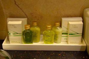 11 Mirrors Room Bath Amenities