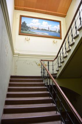 Gallery Park Hotel Staircase