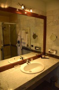 Royal Tulip Yerevan Room Bath Sink