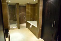 Lesotho Sun Suite Bathroom