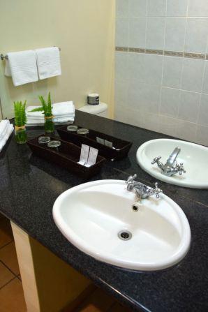 Mantenga Lodge Bathroom Sink